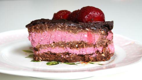 raw jordbærlagkage